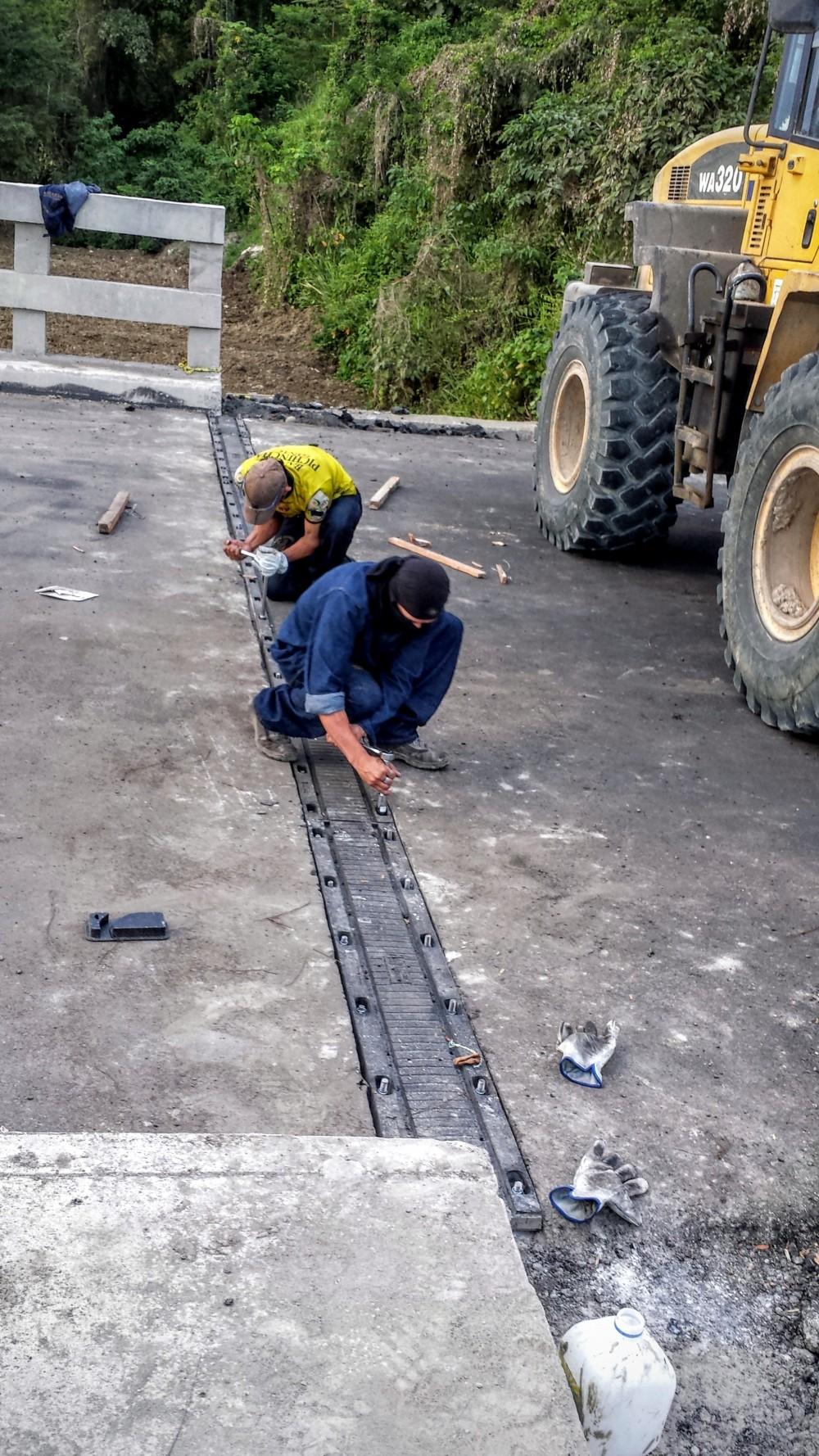 Instalacion Juntas de dilatacion Paso lateral Tachina (2)