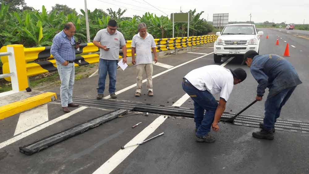 Mantenimiento Puente en el Triunfo junta